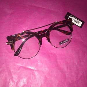 Clear Frame Fashion Sunglasses